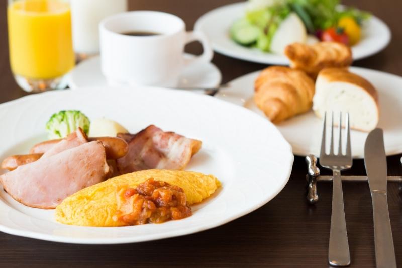 【週末はホテルで朝食を堪能!】モーニングブッフェ付♪ウエディング相談会