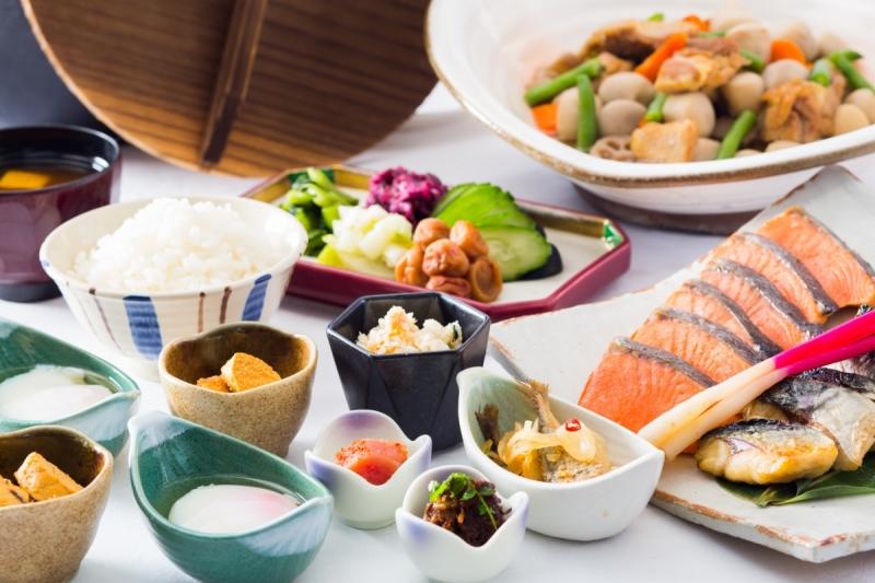 和食から洋食まで約50種のバラエティ豊かな朝食ブッフェ
