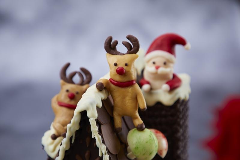 こだわりの素材をつかったホテルメイドの「5種類のクリスマスケーキ」販売