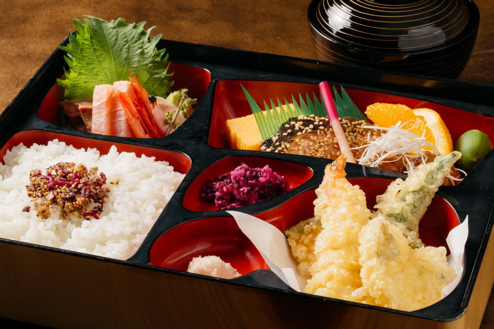 ■カジュアル 和食弁当3,000円(サービス料・消費税込み3,630円)