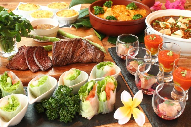〈ディナーブッフェ〉  ハッピーアニバーサリープラン実施中(予約制)!  ご家族で楽しめるナトゥーラブッフェ(アジアン料理フェア開催中)