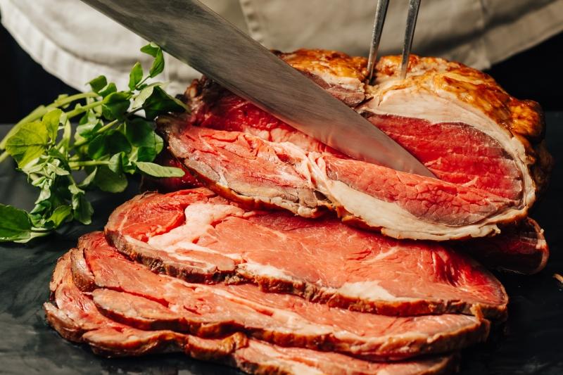 〈ディナーブッフェ〉  記念日特典や金曜日限定のレディースプラン(予約制)がお得!神奈川県産野菜など初夏の旬を味わうナトゥーラブッフェ